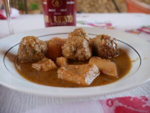 Cuttlefish and Meatballs with Cava